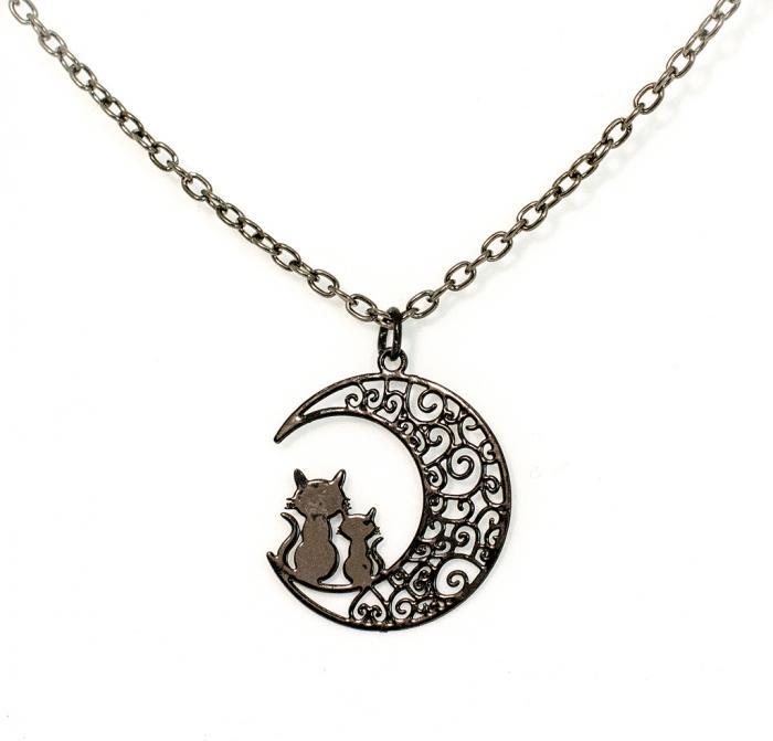 Collar negro gatos en la Luna
