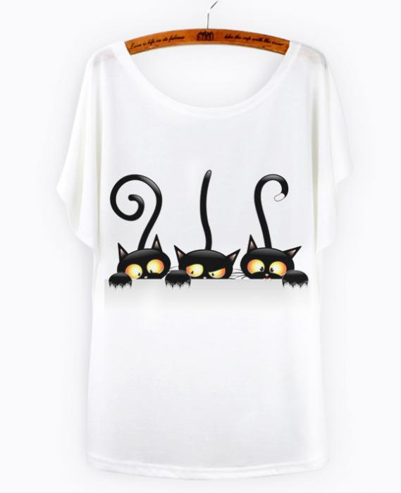Camiseta dibujo gatos negro 1